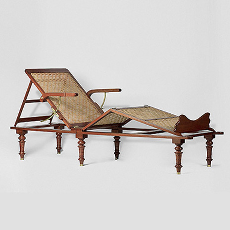 An-Elegant-Campaign-Day-Bed